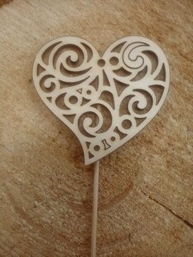 Natural wooden decoration, Heart on the peak 8/20 cm / 3 pcs.