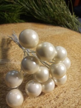 Pearls beads on a wire, a bundle of  cream 10mm / 10 cm, beads price for a bundle of 12 pcs