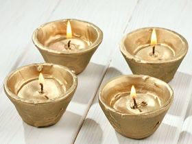 Set of 4 gold candles