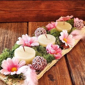 Table decoration - pink daisies in green moss, 10/28 cm