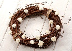 Vine wreath with sola flowers- white