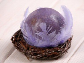 Wooden ball in nest, 10-12 cm, purple