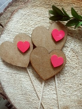 Wooden decoration. Natural hearts on the peak 6/20 cm 3 pcs.