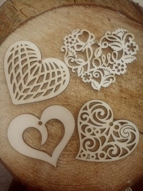 Wooden hearts 8 cm 4 pcs / pack