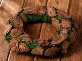 Wreath of moss and bark 25 cm