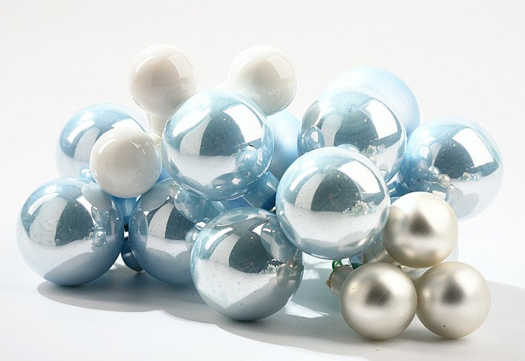Glass balls on wire, 20-30mm, shades of white, bunch of 18 pcs, mat/glittered