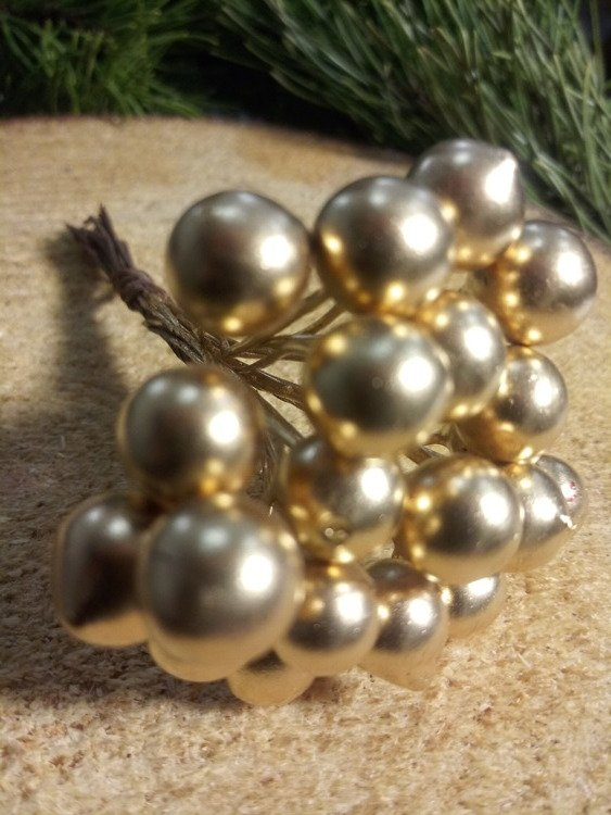 Pearls beads on a wire, 10mm / 10cm gold beam, beads price per bundle 20 pcs