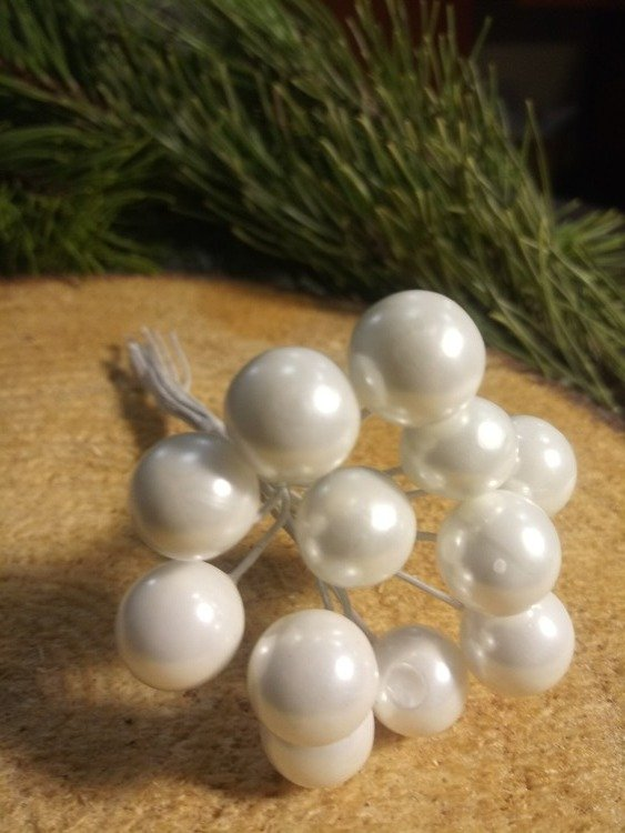 Pearls beads on a wire, a bunch of white 10mm / 10 cm, beads price for a bundle of 12 pcs