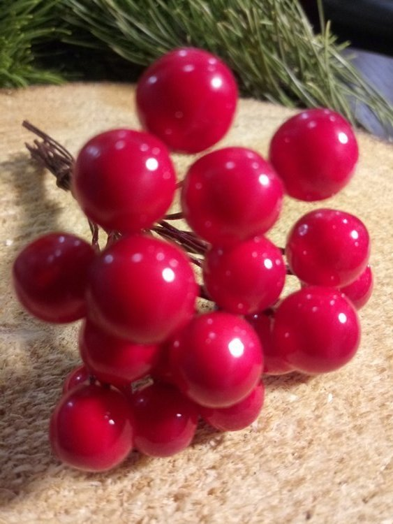 Pearls beads on a wire, bunch of red 10mm / 10 cm, beads price for a bunch of 20 pieces